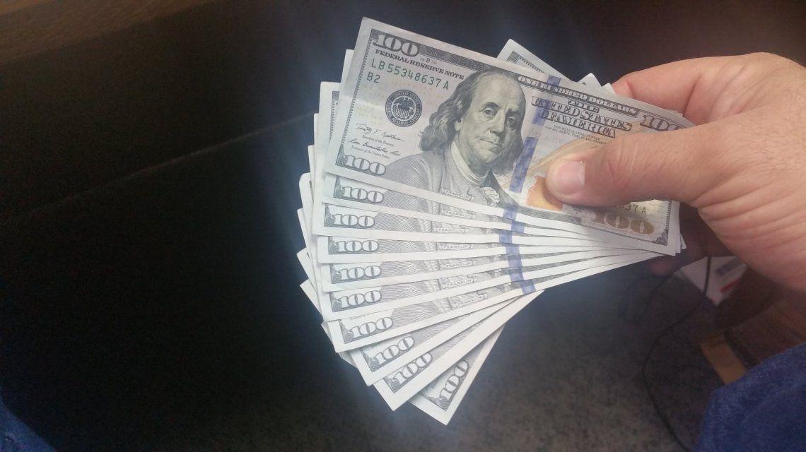El dólar blue llegó a los 195 pesos