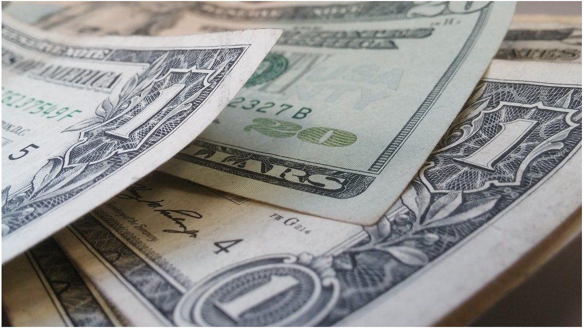El plan del Gobierno para achicar la brecha cambiaria y fomentar el ahorro en pesos