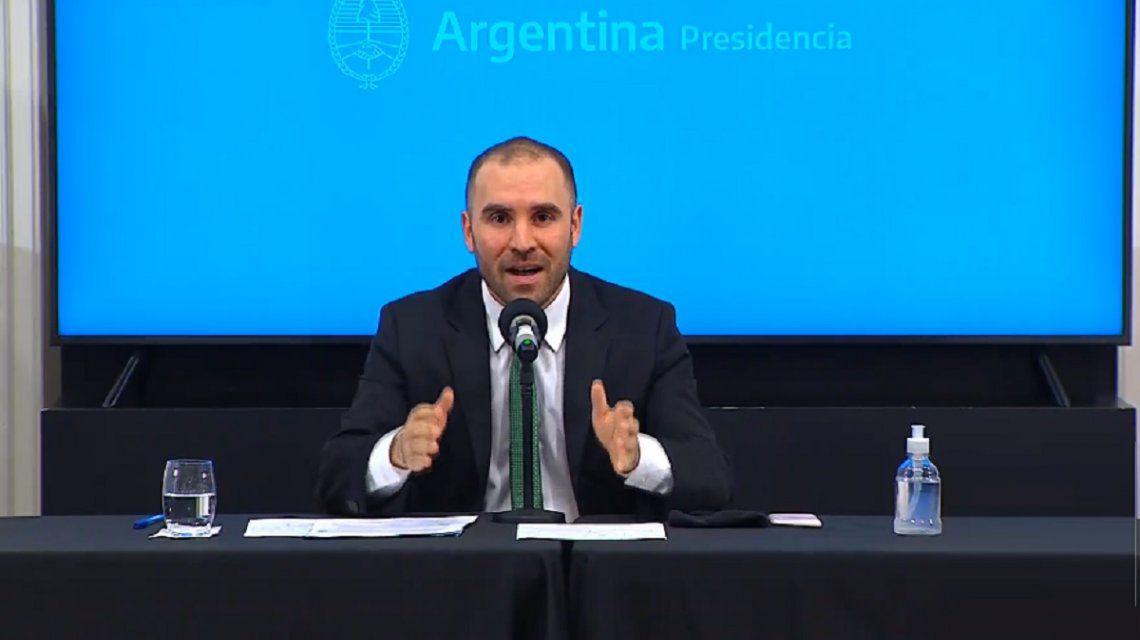 El Gobierno logró descomprimir la presión sobre el dólar con el bono que lanzó Martín Guzmán
