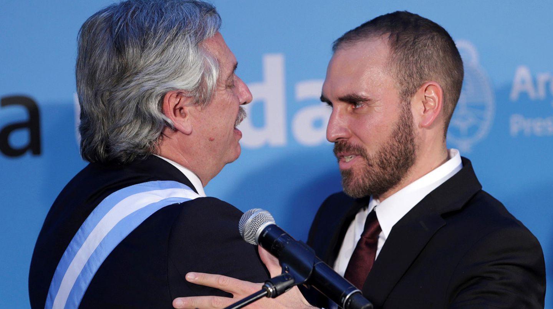 El dólar blue sigue imparable y Alberto Fernández le puso un ultimátum a Martín Guzmán para calmar a los mercados